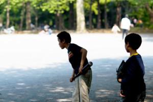 茂原市の萩原公園で遊ぶ子供